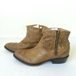 Baske Free People cowboy ankle boots perforated